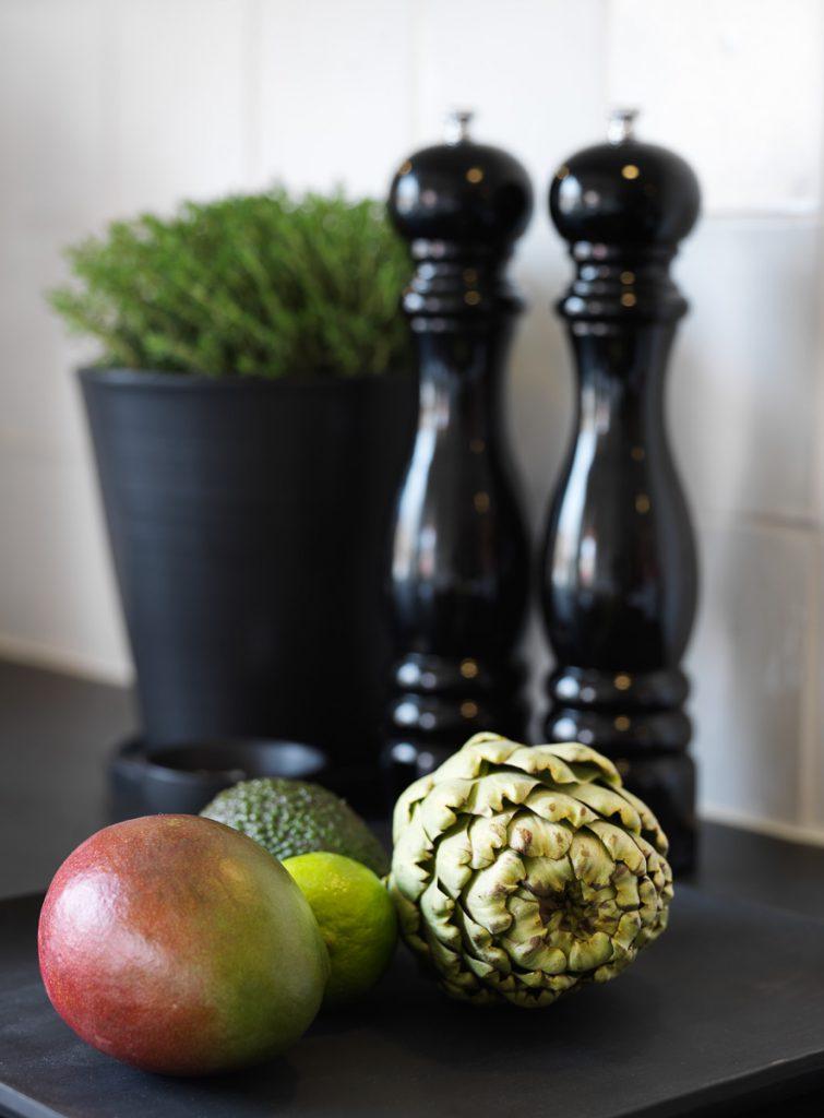 peugeot saltkvarn, peugeot pepperkvarn, handdrejad kruka, floramor & krukatös,
