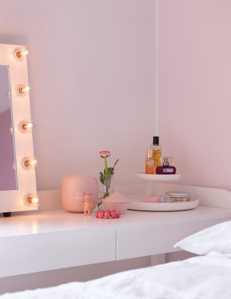 sminkspegel, makeup spegel, sminkbord, japansk skyddsängel, sonny angel, sänglinne, påslakan, örngott,